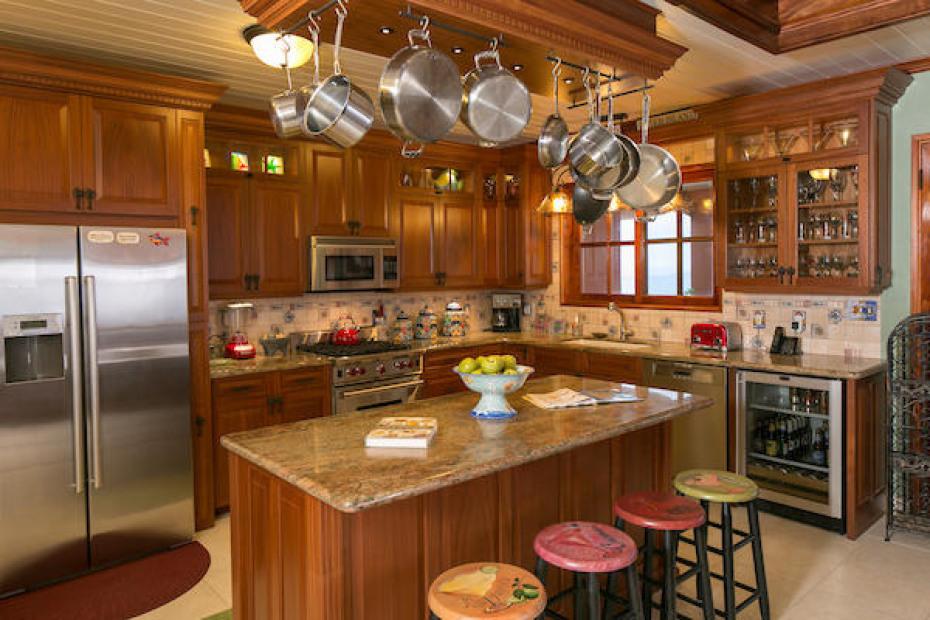 008 Custom gourmet kitchen