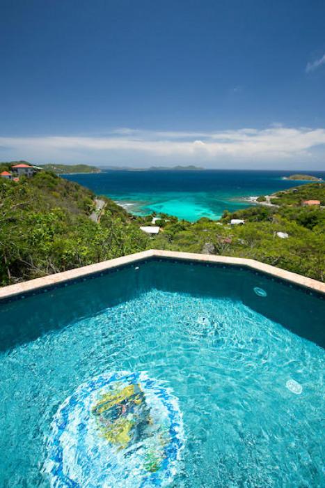 030 Exceptional pool views!