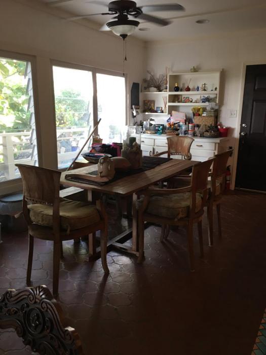 insie dining room