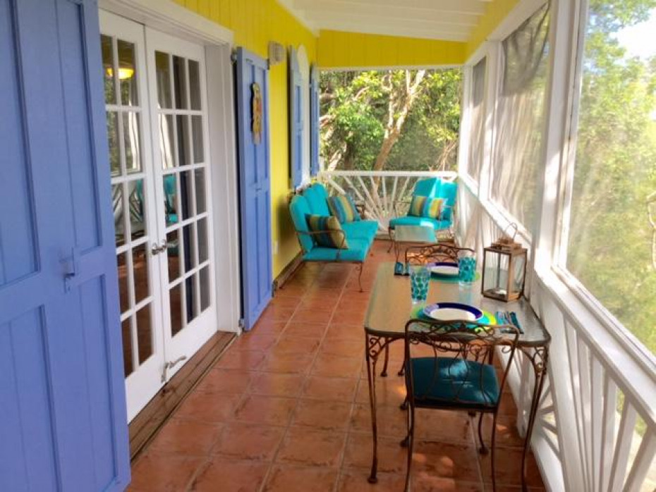 Screened porch Cottage