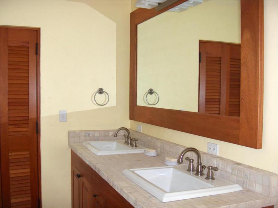 Bathroom 1 of 6