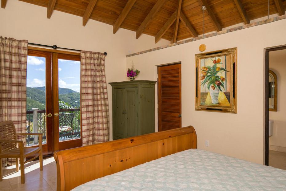 022 Upper suite