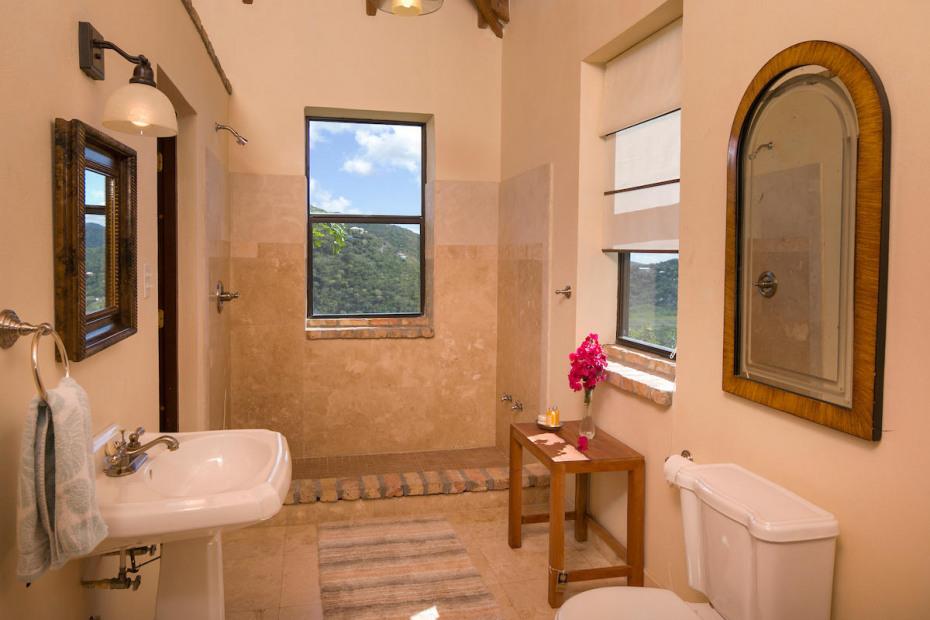 023 Upper bath