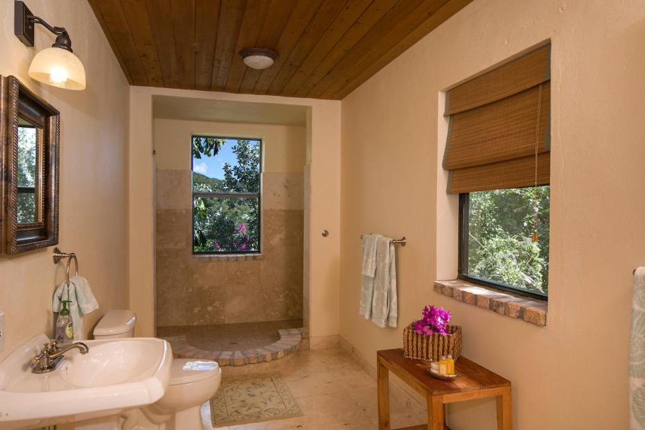 026 Lower bath