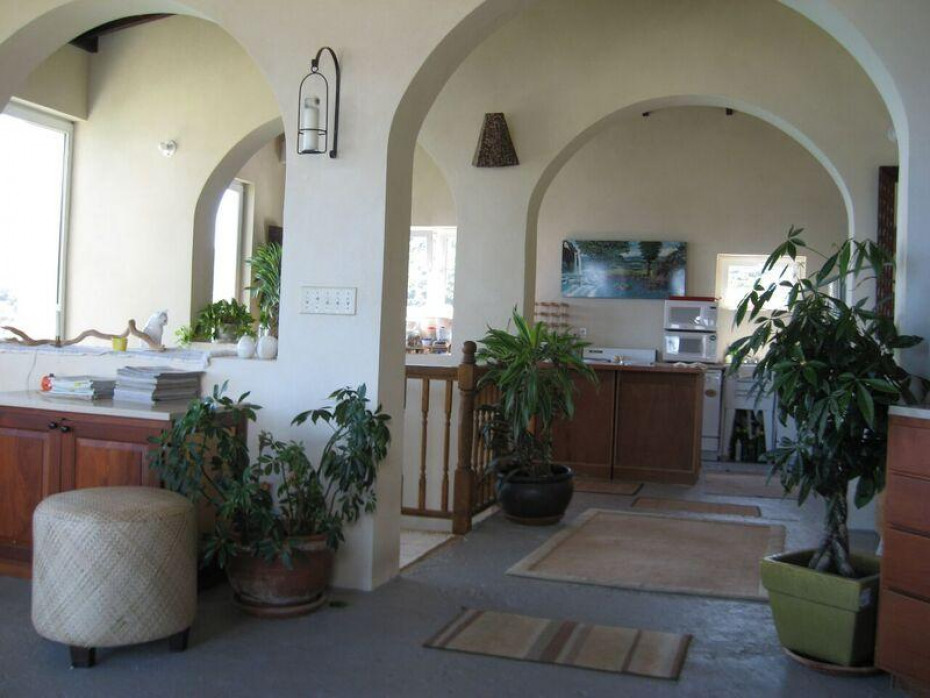 Arches shape all the rooms