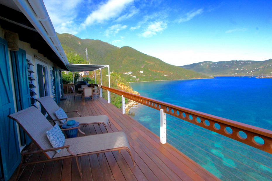 The Dramatic Deck at Cliffhanger