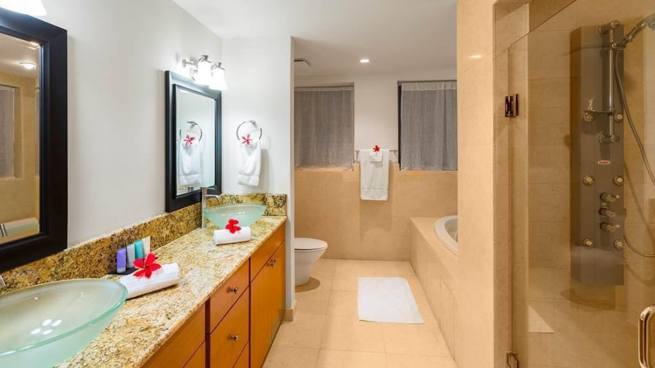 F Upper bath