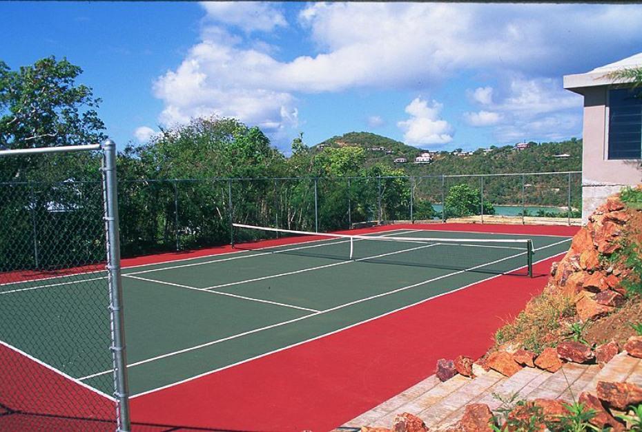 Pool bdrm adjacent to tennis court