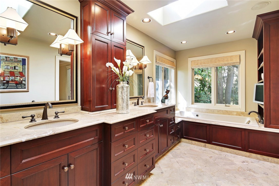 854 Evergreen Point Road Photo 11