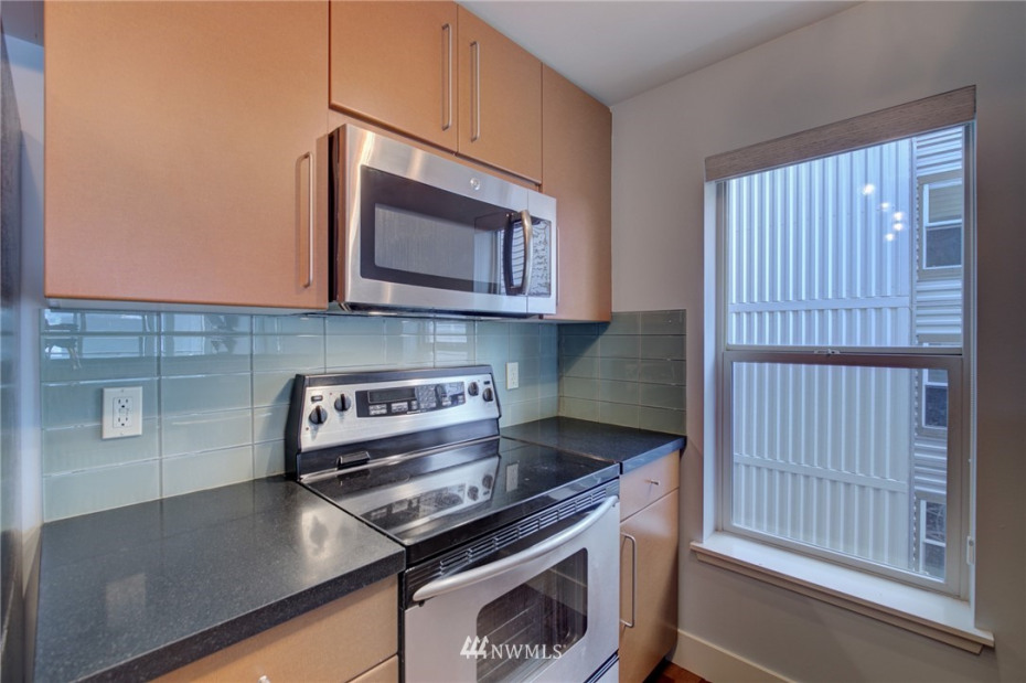 1550 Eastlake Avenue #405 Photo 7