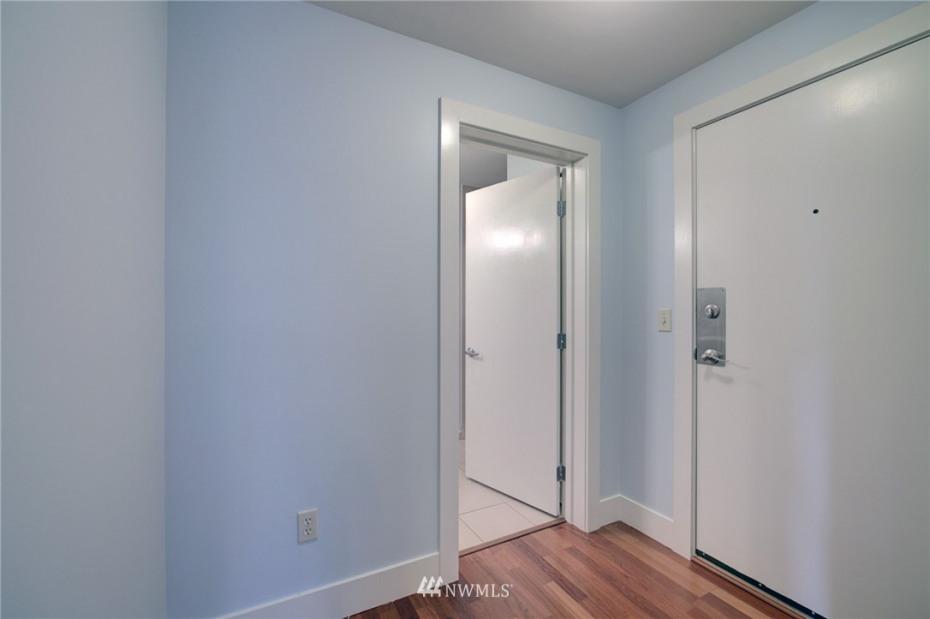 1550 Eastlake Avenue #405 Photo 21
