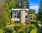 beautifully landscaped resort-like setting that's just a short stroll from shopping, dining and the Seattle ferry.
